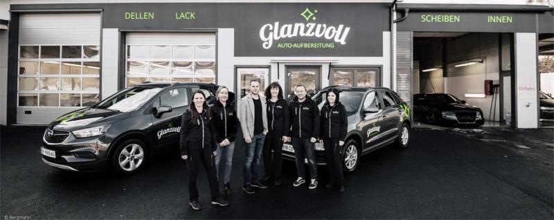 Mitarbeiter von Glanzvoll Auto-Aufbereitung